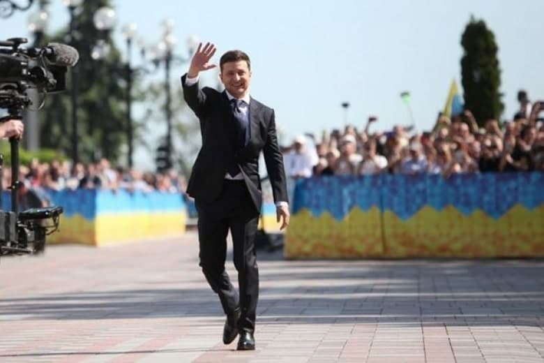 Глава АП Зеленского заявил, что президента рассмешила петиция о его отставке