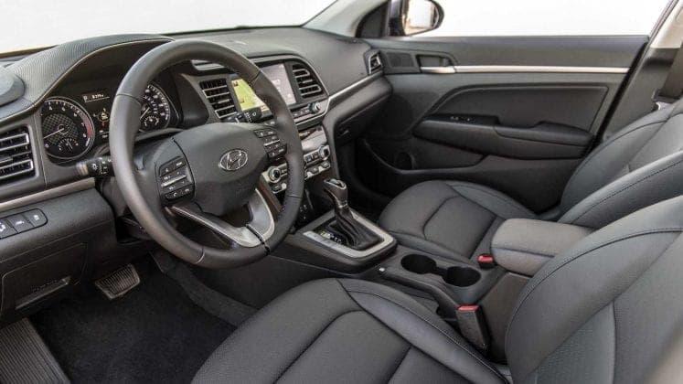 Hyundai обновила седан Elantra