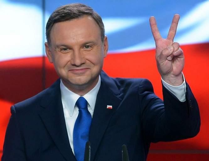 Первый официальный визит Зеленского - стала известна вероятная страна