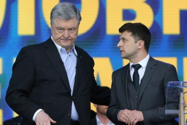Порошенко начал общаться с президентом Зеленским через Facebook