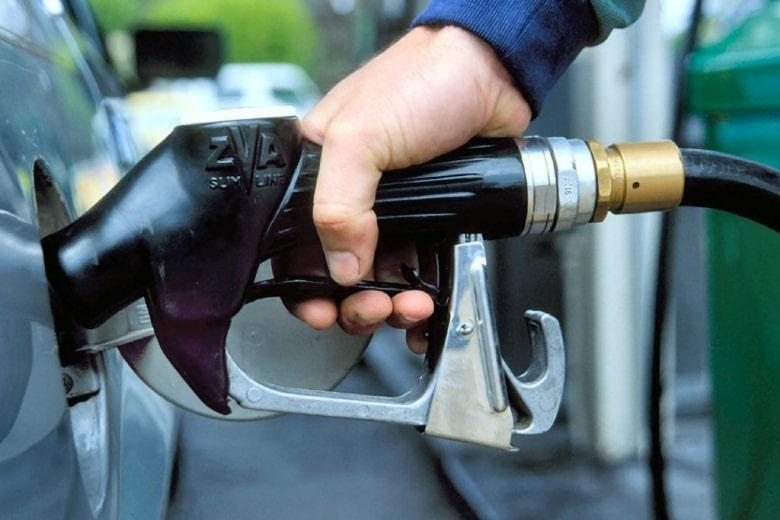 Украинцев предупредили о возможном росте цен на бензин из-за ограничений России