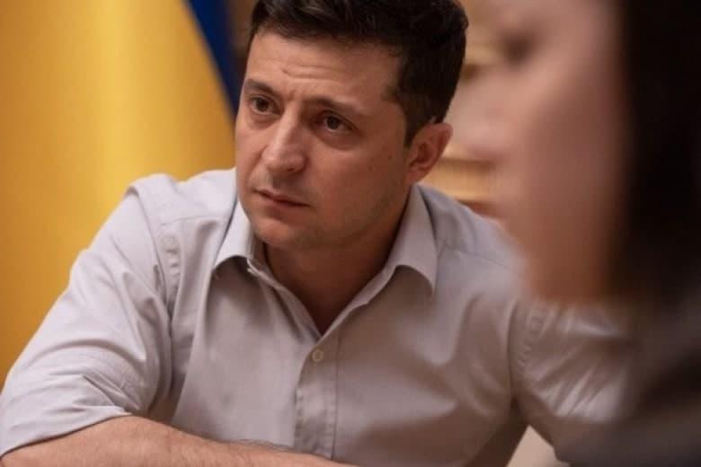 Зеленский требует снятия депутатской неприкосновенности с 2020 года
