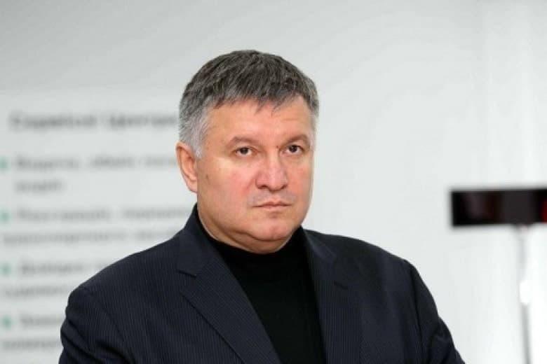 Аваков не собирается уходить в отставку после убийства ребенка полицейскими