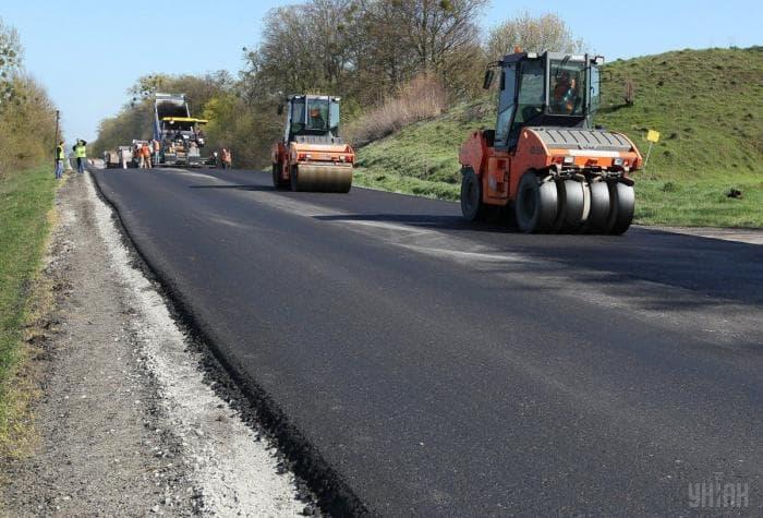 Как чиновники через жен «пилят бюджеты» на ремонт дорог
