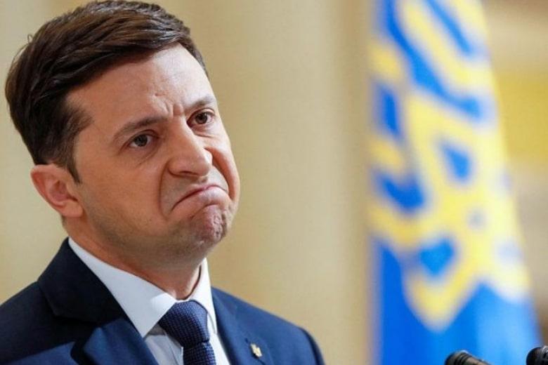 Зачитал слова Порошенко: Кто подсунул Зеленскому старую речь экс-президента