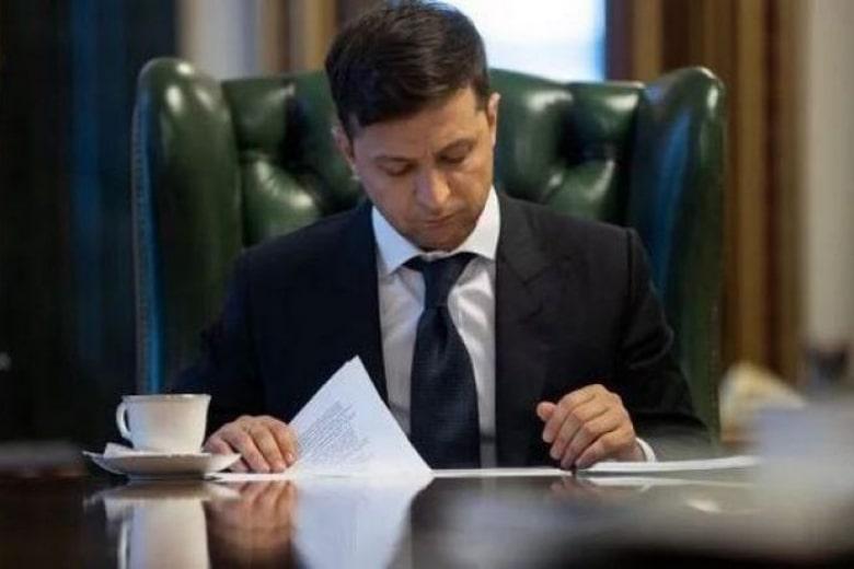 Зеленский вернул на должность чиновника, которого уволил Порошенко