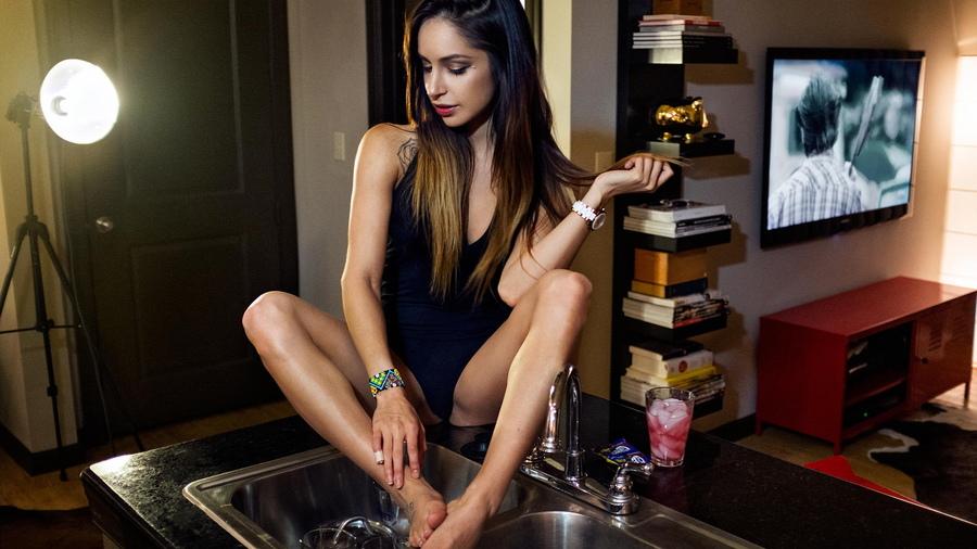 рекламные фото моделей девушек на кухни создавалось личные вложения