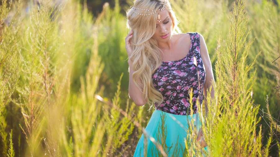 Обои Helga Lovekaty, красиво, позирует, модель, хороша