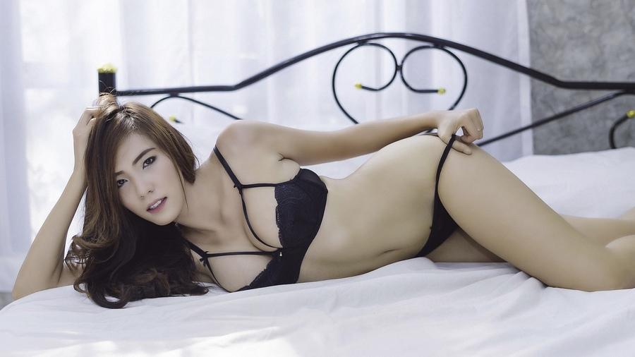 Photos of women in bondage