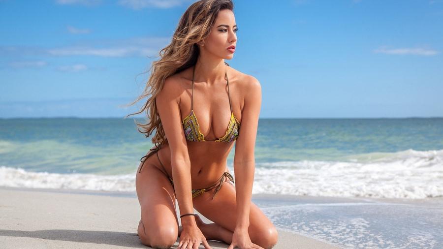 bikini-model-beach-pictures-virgin-girls-first-time-videos