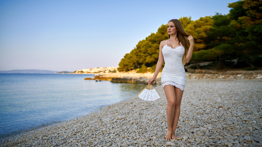 Фото обои women, white dress, sea, women outdoors, portrait, brunette для всех разрешений монитора