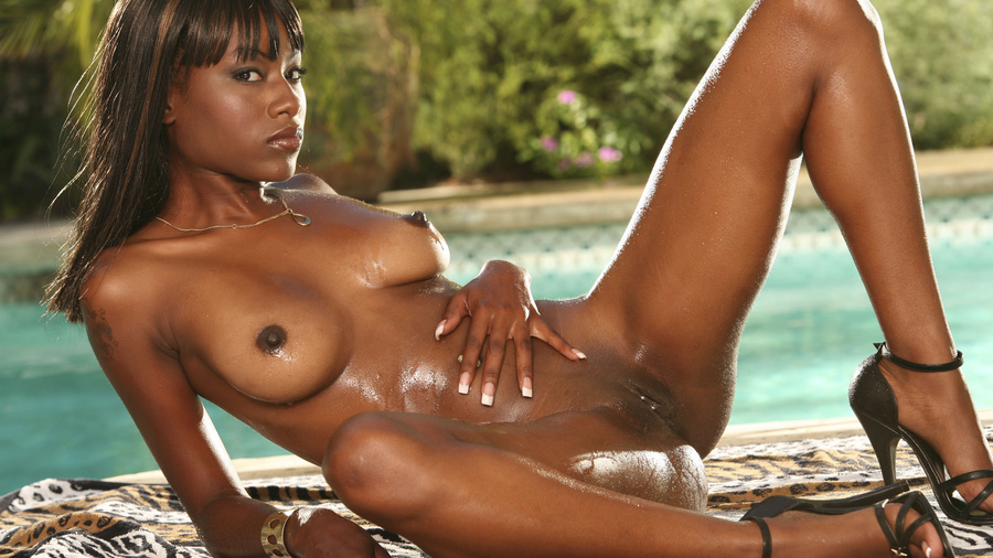 ebony-nude-pictures-male-sucking-naked-breast