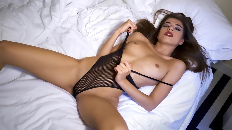 Beautiful Models In Bed With Tooya Ixxx 1