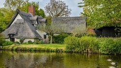 england, flatford, bridge cottage