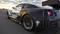 the #22 sumo power, nissan gt-r gt1, le mans