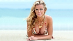 море, бруклин декер, песок, грудь, brooklyn decker, красотка, блондинка