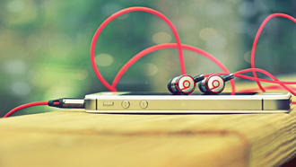 i phone 4, apple, beats by dr dre, наушники