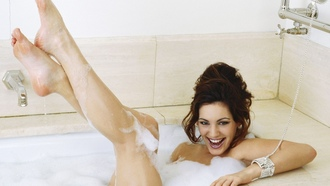 Келли Брук, Kelly Brook, brunettes, брюнетки, women, feet, bubbles, женщины, пузыри, ноги