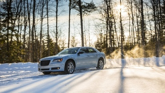 side, angle, Motion, ледник, glacier, сторона, Автомобили, Chrysler 300, угол, Chrysler, cars