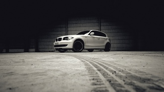wallpapers auto, auto, сity, white, фото, bmw 135, cars walls, чб, cars, гараж, desktop, cars
