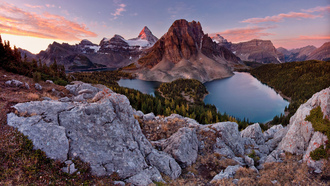 альпы, лес, озера, mt assiniboine park, камни, горы, небо, sunburst peak