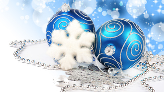 jewelry, new year , decoration, merry christmas, diamonds, blue balls, bokeh, lights, necklace