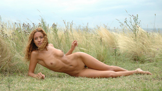 girl, tits, legs, hair, eye, natur, outdoor