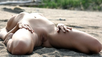 natural, nude, outdoor, sea, cloves