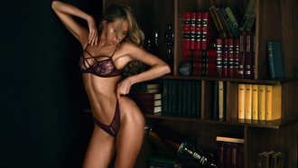 бои women, blonde, tanned, belly, holding panties, armpits, closed eyes, lingerie, seethrough clothing, books на рабочий стол