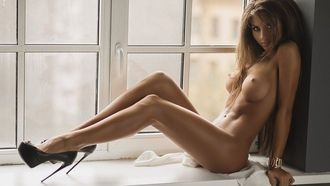 tanned, high, heels, tits, sixpack, legs, beautifull, perfect, look, eye, face, lips, window