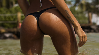 ass, tanned, perfect, beautifull, black, wasser, tatoo