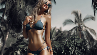 women, blonde, tanned, belly, hips, curvy, sunglasses, women outdoors, depth of field, portrait, palm trees