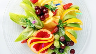 fruit, strawberry, salad, kiwi, grapefruit, dish, pineapple, banana