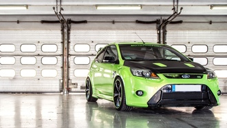 ford, focus, garage, green