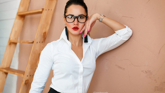 women, portrait, red lipstick, pink nails, white shirt, women with glasses, ladders, wall