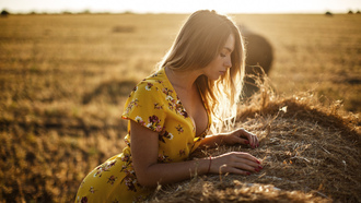 women, hay, red nails, yellow dress, blonde, women outdoors, cleavage, portrait