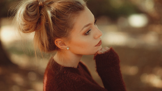 women, portrait, blonde, hairbun, bokeh, sweater