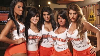 girls, hooters