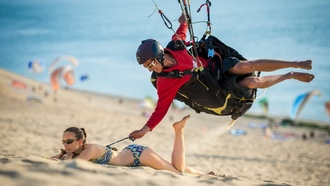 irl, sport, beach, woman, man, boy, sand, funny, situation, bikini, smiling, humor, paragliding