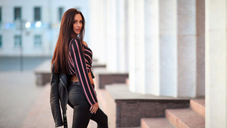 women, leather jackets, jeans, women outdoors, belt, long hair, pink lipstick, stairs, smiling