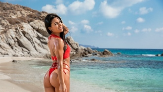 sexy brunette, red bikini, ass, sea