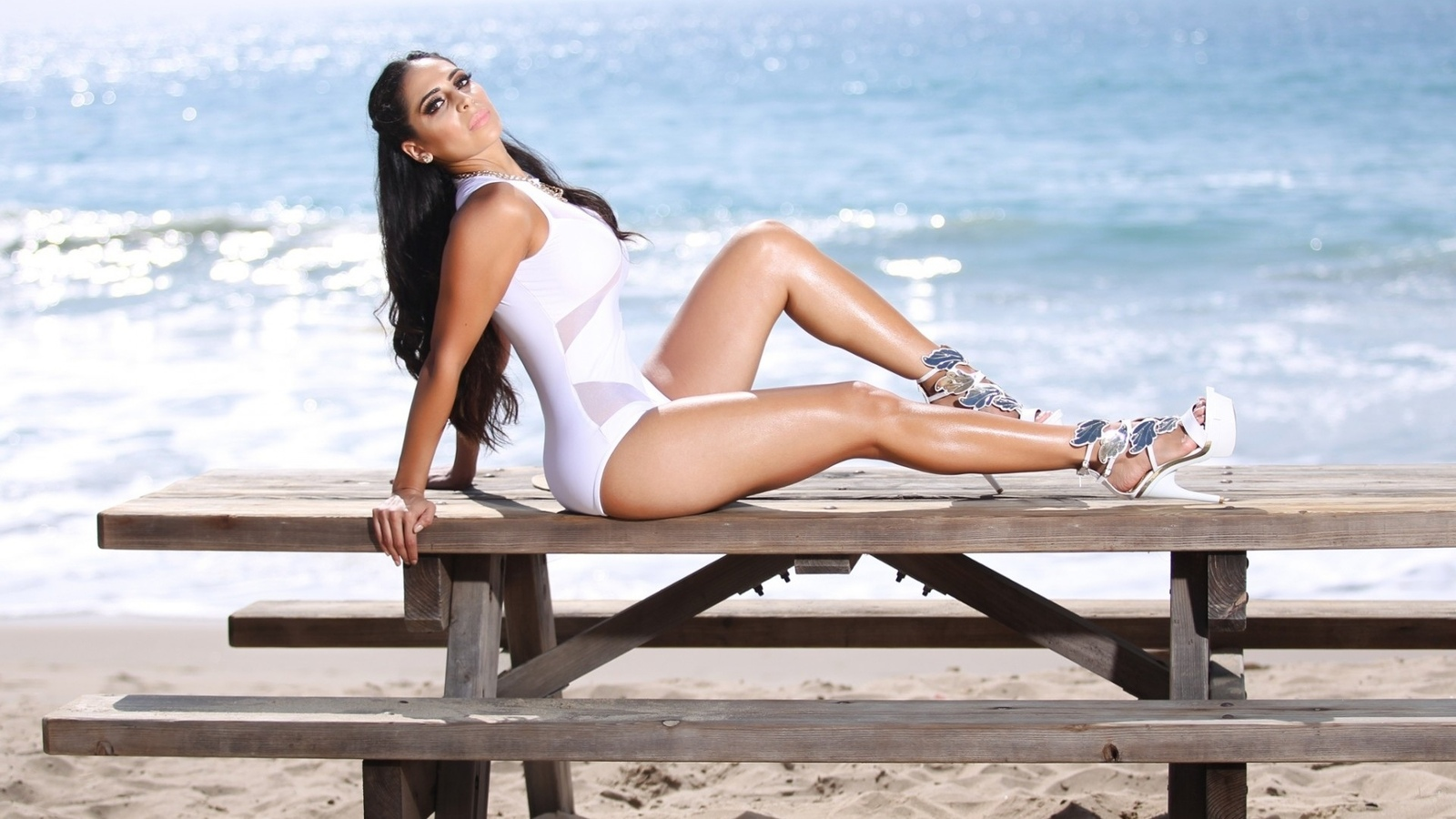 пляж, песок, брюнетка, шикарная