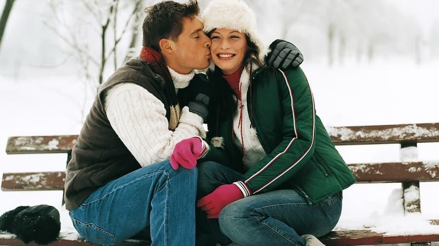 Парень и девушка зима фото