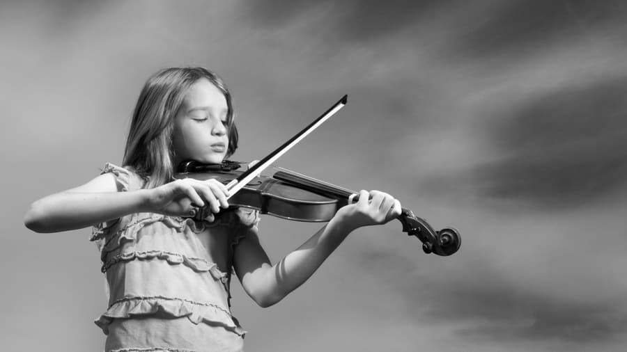 Скачать обои музыка, скрипка, настроение, Девочка - картинка #25807 c разрешением 1920x1080