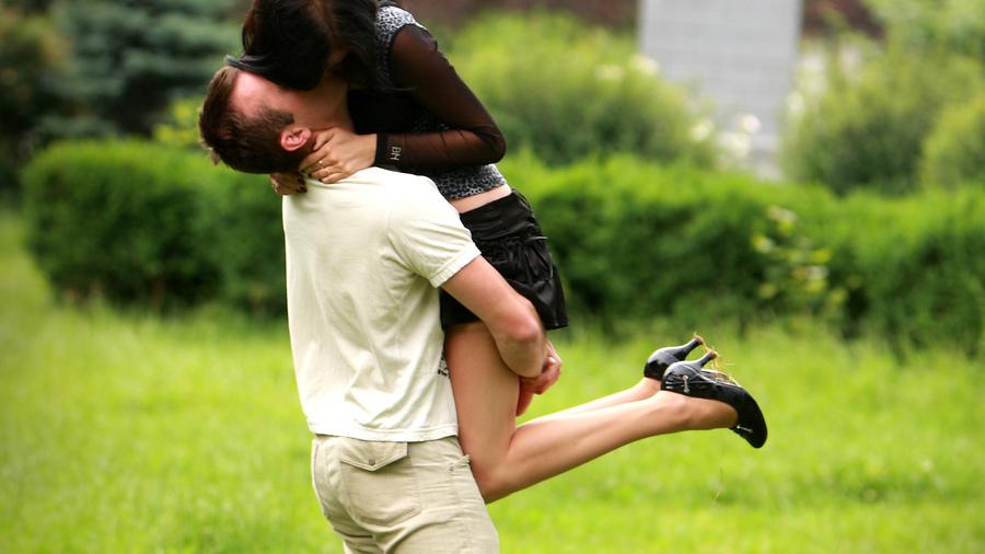 Русская девушка целуется 14 фотография