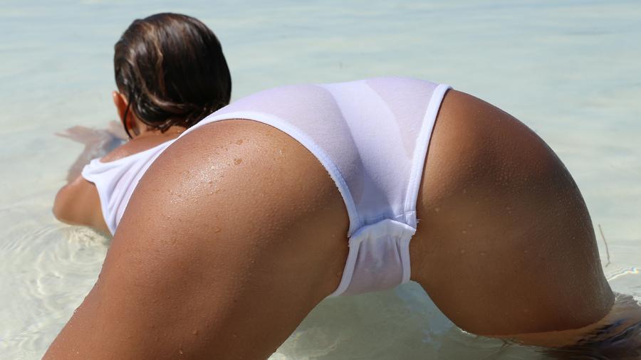 порно большие жопы на море