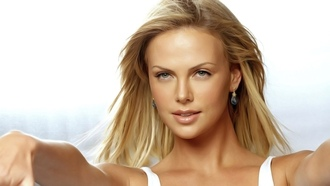 ������, �����������, Charlize theron