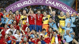vald__s, Euro 2012, spain, final, piqu__, champion, reina, iker casillas, football, albiol
