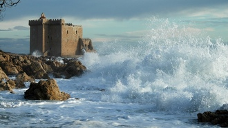 �������, �����, clouds, �����, ����, rocks, water, ����, �����, ����, waves, sea, 1920x1276, castle, nature, �����, ������, shore, sky