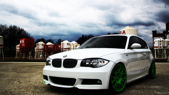 wallpapers auto, ����, ��� � ������, auto, ���, bmw 1 serie, cars, white, city, ������, bbs